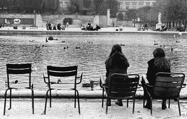 Paris en noir et blanc monuments for Jardin noir et blanc